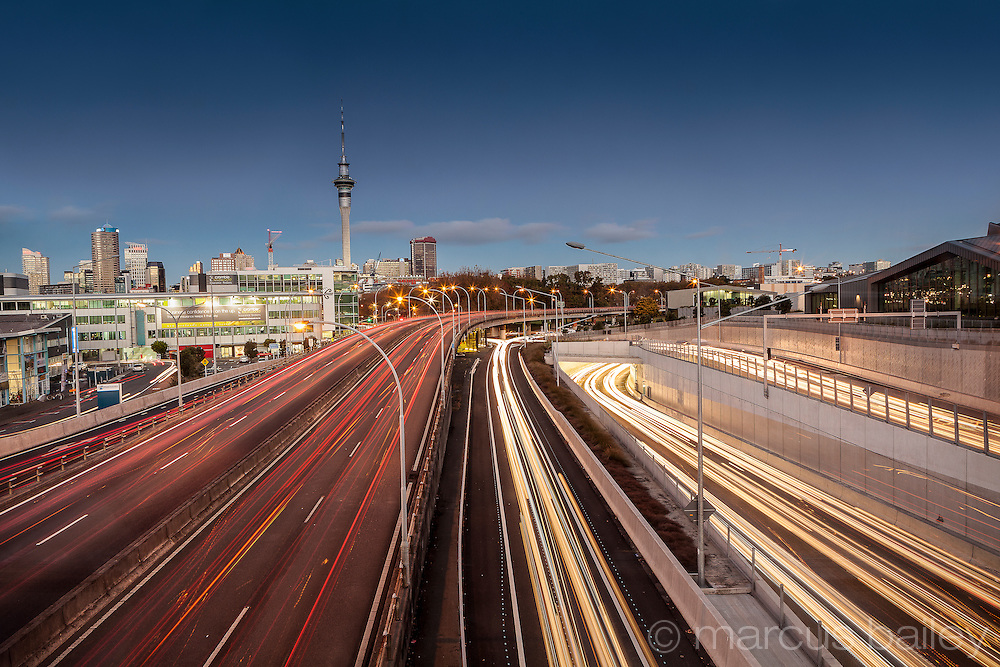 Long exposure of motorway into Auckland approaching Victoria Park from the north