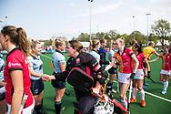 LAREN -  Hockey -   keeper Larissa Meijer (Oranje-Rood) Jet de Graeff (Laren)  Hoofdklasse dames Laren-Oranje Rood (0-4). Oranje Rood plaatst zich voor Play Offs.  COPYRIGHT KOEN SUYK