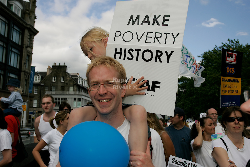 The biggest ever anti-poverty movement came together under the banner of MAKEPOVERTYHISTORY in 2005 calling for urgent action for more and better aid, debt cancellation and trade justice.<br />