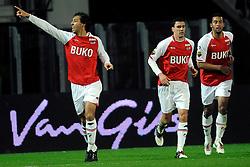 03-04-2010 VOETBAL: AZ - FC UTRECHT: ALKMAAR<br /> FC utrecht verliest met 2-0 van AZ / Mounir El Hamdaoui scoort de 2-0 uit een penalty. Maarten Martens en Moussa Dembele<br /> ©2009-WWW.FOTOHOOGENDOORN.NL