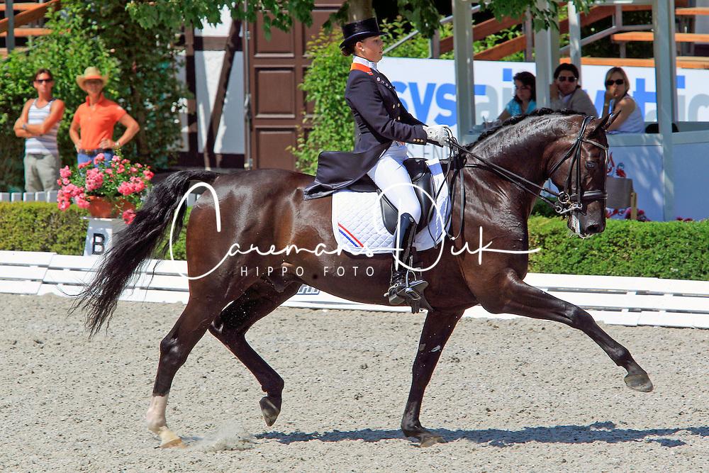 Meulendijks Anne (NED) - MDH Ohio<br /> European Championships Junior 2010<br /> &copy; Hippo Foto - Leanjo de Koster