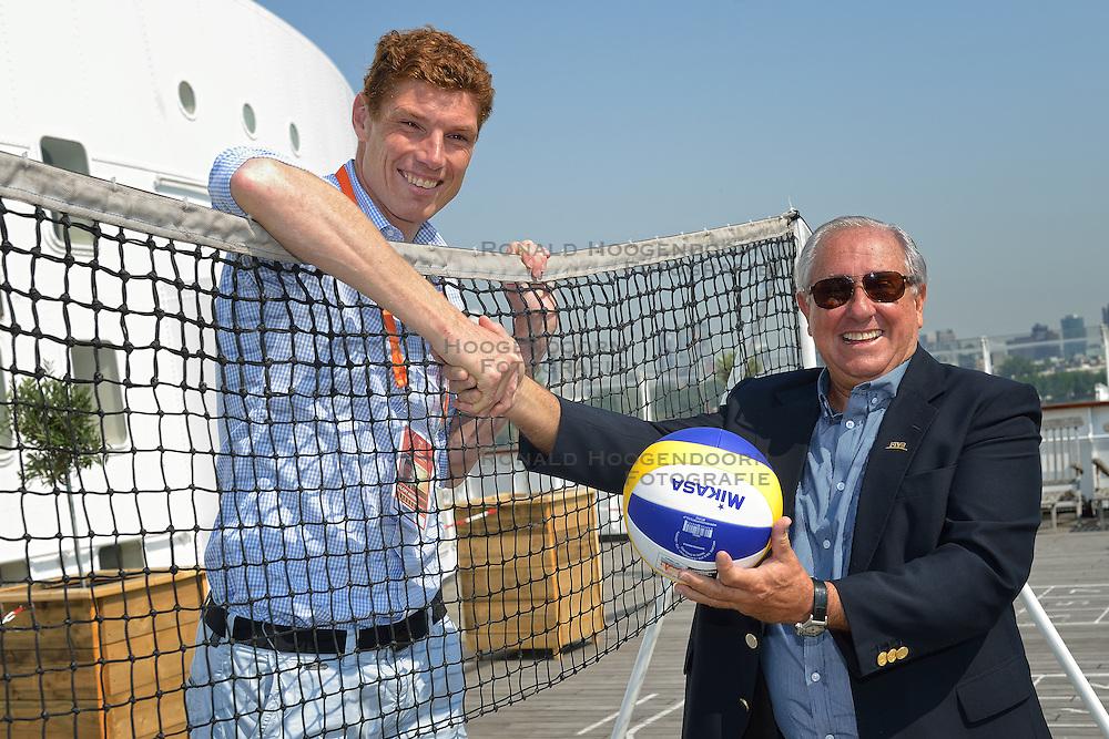 20150702 NED: WK Beachvolleybal day 7<br /> Dr. Ary S. Gra&ccedil;a, FIVB president bezoekt Rotterdam, Bas van de Goor