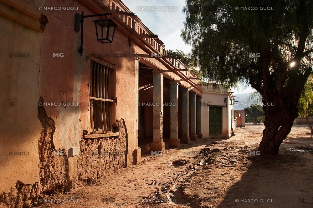 CASAS DE ADOBE, MOLINOS, VALLES CALCHAQUIES, PROV. DE SALTA, ARGENTINA