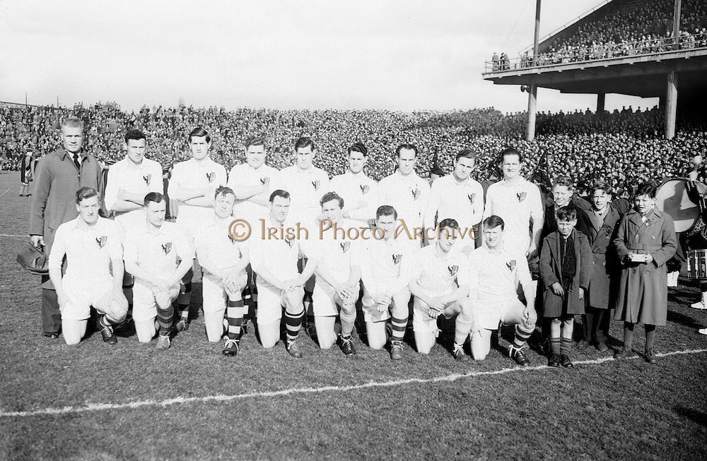 Neg No:.719/9756-9761...17031955IPFCF...17.03.1955..Interprovincial Railway Cup Football - Final..Leinster.1-14.Connacht.1-10..Connacht Team