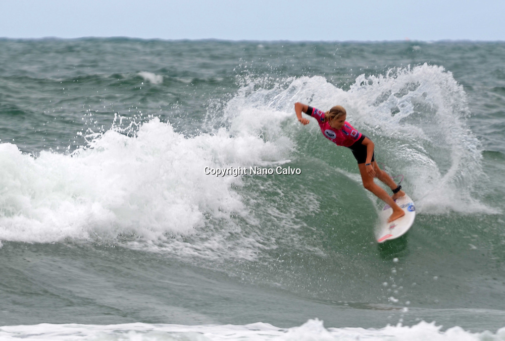 Roxy Pro Biarritz 2012, event of the female surfing world tour.