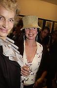 Harriet Sergeant ( Cohen) and Laura Faber, Matthew Carr exhibition opening, Marlborough Fine Art, 25 November 2003. © Copyright Photograph by Dafydd Jones 66 Stockwell Park Rd. London SW9 0DA Tel 020 7733 0108 www.dafjones.com