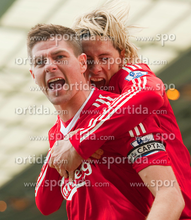 04.04.2010, St Andrew, Birmingham, ENG, PL, Birmingham City vs Liverpool FC, im Bild Liverpool's captain Steven Gerrard MBE feiert sein Tor mit Fernando Torres, EXPA Pictures © 2010, PhotoCredit: EXPA/ Propaganda/ D. Rawcliffe / SPORTIDA PHOTO AGENCY