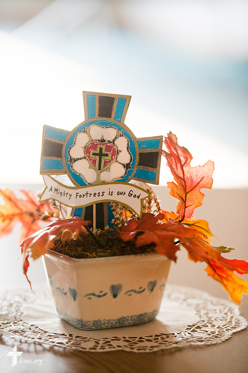 Table decorations in the fellowship hall on Sunday, Sept. 24, 2017, at Faith Lutheran Church, York, Neb. LCMS Communications/Erik M. Lunsford