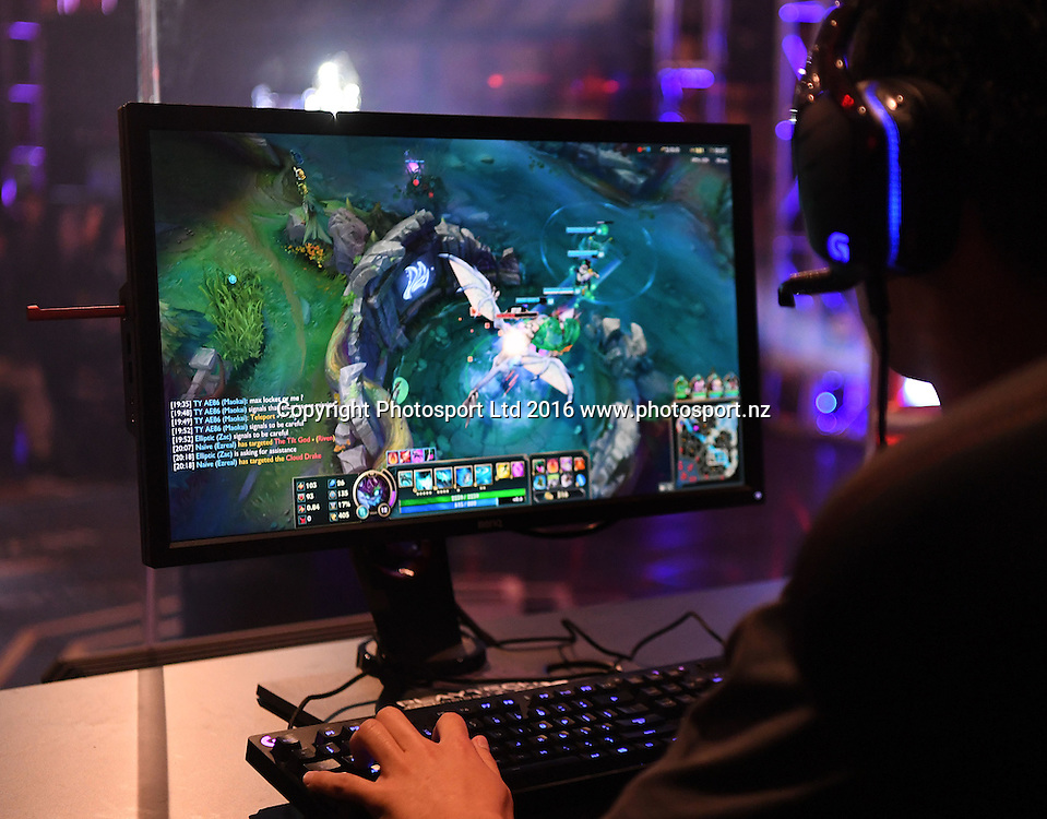 Auckland Grammar versus Manurewa High School. League of Legends. E-sports NZ Gaming Championship Grand Final. Auckland, New Zealand. Letsplay.live. Wednesday 12 October 2016© Copyright photo: Andrew Cornaga / www.photosport.nz