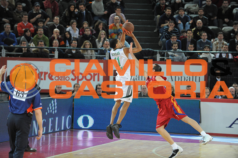 DESCRIZIONE : Roma Eurolega 2008-09 Lottomatica Virtus Roma Panathinaikos Atene<br /> GIOCATORE : Drew Nicholas<br /> SQUADRA : Panathinaikos Atene<br /> EVENTO : Eurolega 2008-2009<br /> GARA : Lottomatica Virtus Roma Panathinaikos Atene<br /> DATA : 26/02/2009<br /> CATEGORIA : tiro three points<br /> SPORT : Pallacanestro <br /> AUTORE : Agenzia Ciamillo-Castoria/G.Ciamillo