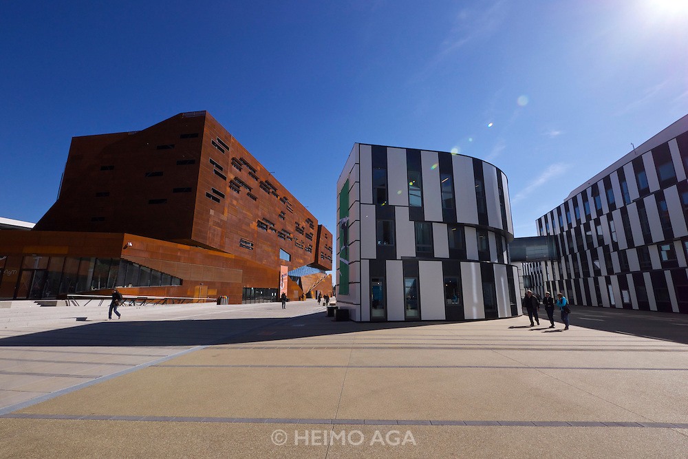 Vienna, Austria. Opening Day of the new WU Campus (University of Economics).<br /> D1 (Departments 1) and TC (Teaching Center) by BUSarchitektur, Vienna.<br /> R.: D2 (Departments 2) and SC (Student Center) by Atelier Hitoshi Abe, Sendai.