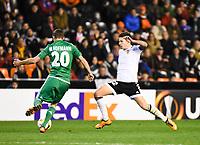 Valencia's   Santi Mina and Rapid Wien's  Maximilian Hofmann during Uefa Europa League match. February 18, 2016. (ALTERPHOTOS/Javier Comos)