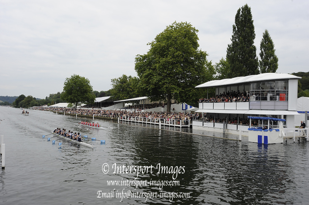 Henley, Great Britain.  Henley Royal Regatta. River Thames,  Henley Reach.  Royal Regatta. River Thames Henley Reach. Sunday  14:56:33  03/07/2011  [Intersport Images] . HRR