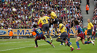 Photo: Richard Lane.<br />Arsenal v Barcelona. UEFA Champions League Final. 17/05/2006.<br />Arsenal's Sol Campbell heads in a goal.
