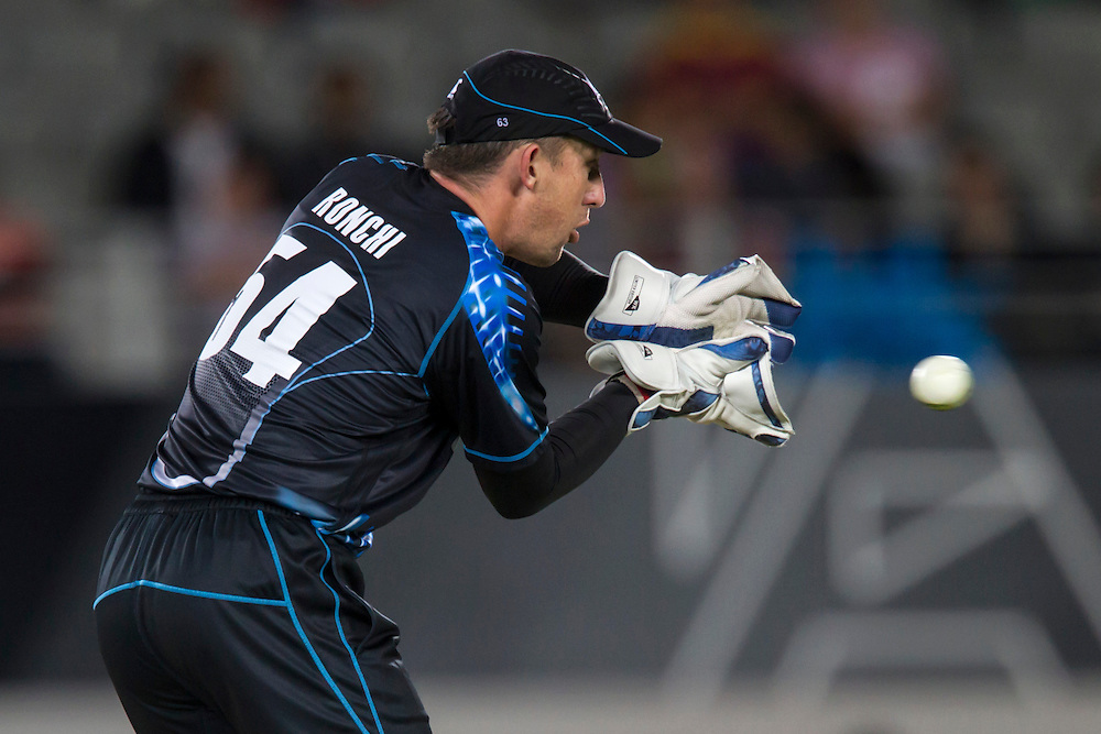 New Zealand's wicket keeper Luke Ronchi catches the ball whilst playing West Indies in the Twenty-20 International Cricket Match, Eden Park, Auckland, New Zealand, Saturday, January 11, 2014. Credit: SNPA/David Rowland