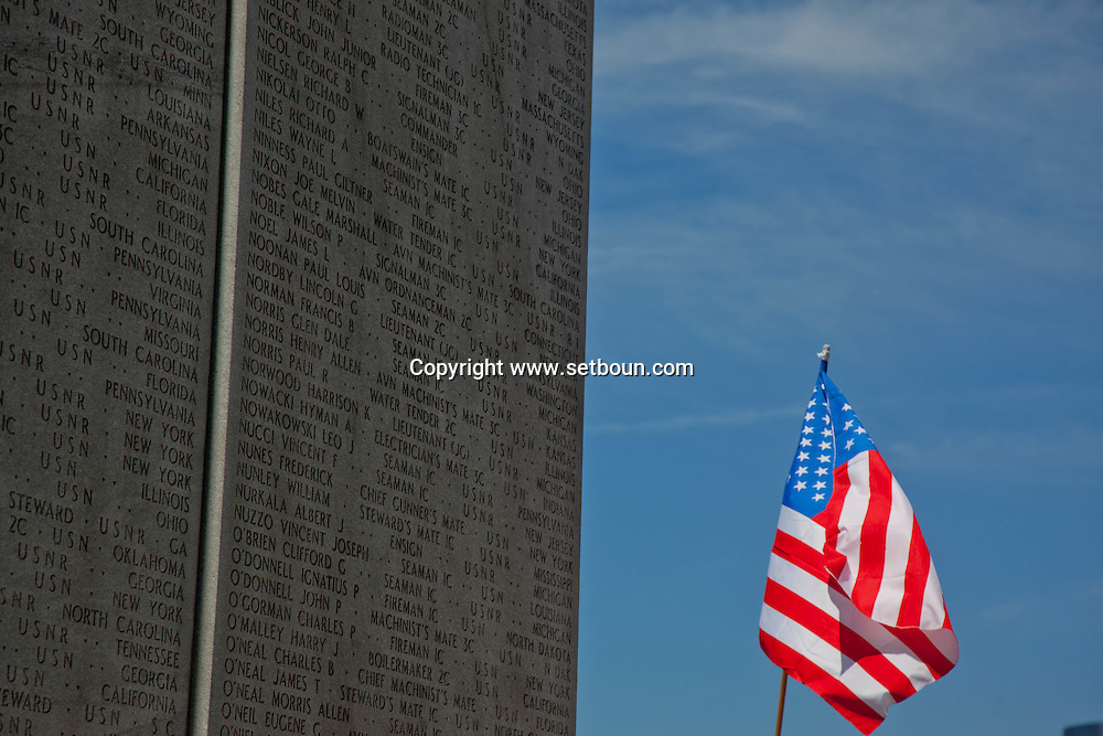 = east coast memorial in battery park  in lower manhattan  area. New york - United states  Manhattan  /// east coast memorial a  bowling green New york - Etats unis +