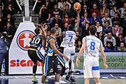 DESCRIZIONE : Campionato 2014/15 Serie A Beko Dinamo Banco di Sardegna Sassari - Upea Capo D'Orlando<br /> GIOCATORE : Rakim Sanders<br /> CATEGORIA : Tiro Penetrazione Sottomano Controcampo<br /> SQUADRA : Dinamo Banco di Sardegna Sassari<br /> EVENTO : LegaBasket Serie A Beko 2014/2015<br /> GARA : Dinamo Banco di Sardegna Sassari - Upea Capo D'Orlando<br /> DATA : 22/03/2015<br /> SPORT : Pallacanestro <br /> AUTORE : Agenzia Ciamillo-Castoria/L.Canu<br /> Galleria : LegaBasket Serie A Beko 2014/2015
