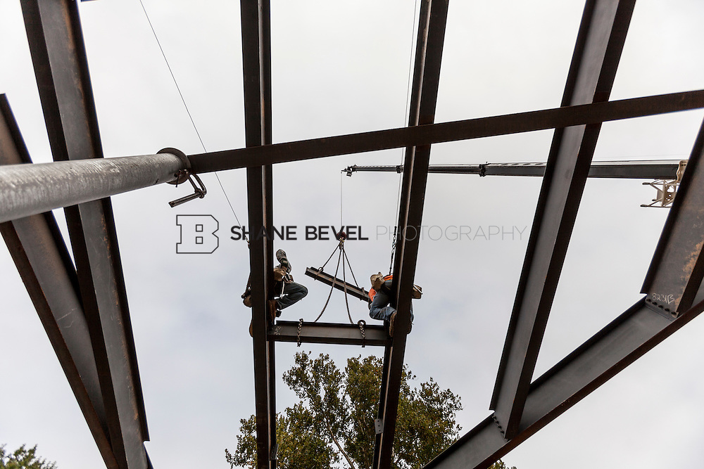 10/7/16 10:03:13 AM -- Steel installation on the Williams Lodge, foundations in the Adventure Playground, Peggy's Pond<br /> <br /> Photo by Shane Bevel