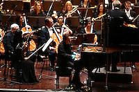 Mannheim. 25.09.15 Rosengarten. Mozartsaal. Deutsche Staatsphilharmonie Rheinland Pfalz mit Solist am Piano Fazil Say.<br /> Bild: Markus Pro&szlig;witz 25SEP15 / masterpress