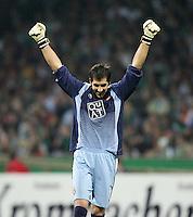 Fussball  UEFA Pokal  Halbfinale  Rueckspiel  Saison 2006/2007 Werder Bremen - Espanyol Barcelona              Torwart Gorka IRAIZOZ (Barcelona) jubelt