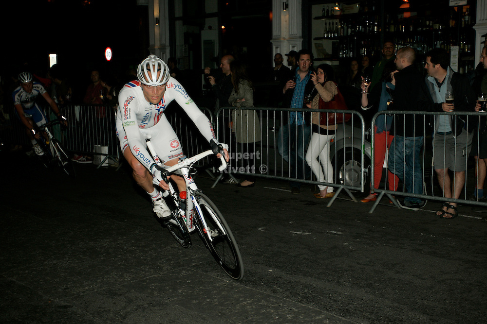The London Nocturne is a cycle race held in Smithfields of London. Brighton Based Photographer Rupert Rivett regularly shoots Cycling photography 07771928201