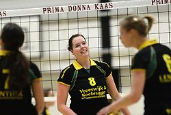 01-12-2012 VOLLEYBAL: PRIMA DONNA KAAS HUIZEN -  PRISMAWORX STRAVOC: HUIZEN<br /> Huizen wint met 3-2 van Stravoc / Lizzy Koole<br /> ©2012-FotoHoogendoorn.nl