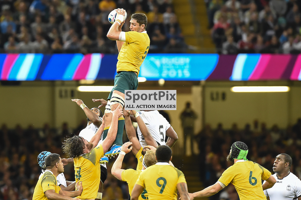 Rob Simmons takes cleanly at a line out (c) Simon Kimber | SportPix.org.uk