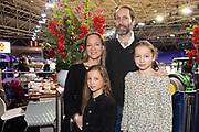 Prinses Margarita met Tjalling ten Cate en kindedren Julia e Paola op Jumping Amsterdam.