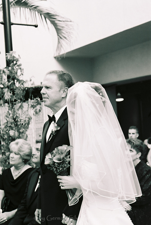 Meredith and Bryant's wedding.  Le Merigot Hotel, Santa Monica, Southern California wedding.  Beautiful, professional -- classy and elegant -- yet affordable wedding photography. Meredith and Bryant's wedding, Le Merigot Hotel, Santa Monica, California