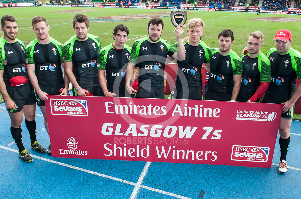 Wales, Shield Winners at the IRB Emirates Airline Glasgow 7s at Scotstoun in Glasgow. 4 May 2014. (c) Paul J Roberts / Sportpix.org.uk