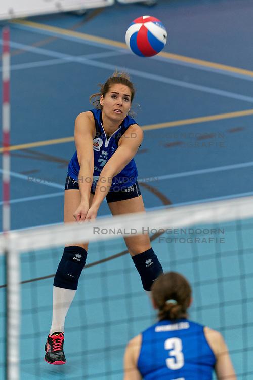 26-10-2019 NED: Talentteam Papendal - Sliedrecht Sport, Ede<br /> Round 4 of Eredivisie volleyball - Esther van Berkel #7 of Sliedrecht Sport