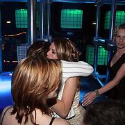 NLD/Hilversum/20080301 - Finale Idols 2008, winnares Nikki huilend, door emotie''s overmand