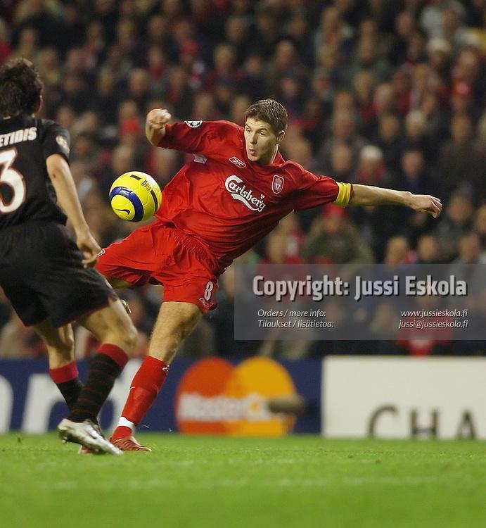 Steven Gerrard, Liverpool 8.12.2004.&amp;#xA;Photo: Jussi Eskola<br />