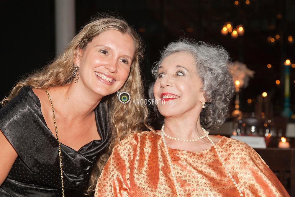 Leise Duarte e Maria Alice Vergueiro,  atriz homenageada pelo 23º Premio Shell de Teatro de Sao Paulo. Foto Marcos Issa/Argosfoto