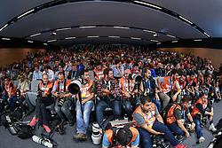 Jornalistas durante a coletiva de imprensa no Estádio Arena Corinthians, em São Paulo, SP. A seleção enfrenta a Croácia na abertura da Copa do Mundo 2014. FOTO: Jefferson Bernardes