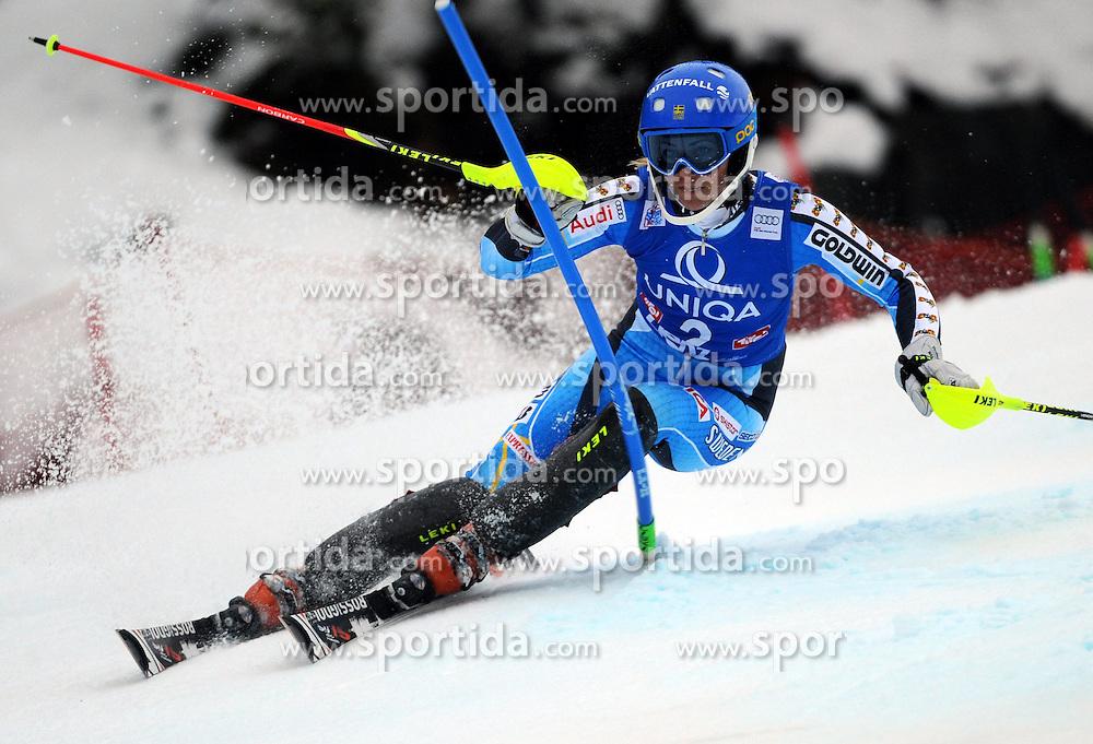 29.12.2013, Hochstein, Lienz, AUT, FIS Weltcup Ski Alpin, Lienz, Damen, Slalom 1. Durchgang, im Bild Frida Hansdotter (SWE) // Frida Hansdotter (SWE) during ladies Slalom 1st run of FIS Ski Alpine Worldcup at Hochstein in Lienz, Austria on 2013/12/29. EXPA Pictures © 2013, PhotoCredit: EXPA/ Erich Spiess