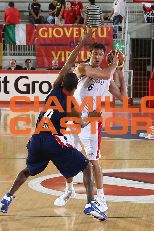 DESCRIZIONE : Roma Lega A 2009-10 Basket Amichevole Lottomatica Virtus Roma Efes Pilsen Istanbul<br /> GIOCATORE : Angelo Gigli<br /> SQUADRA : Lottomatica Virtus Roma <br /> EVENTO : Campionato Lega A 2009-2010 <br /> GARA : Lottomatica Virtus Roma Efes Pilsen Istanbul<br /> DATA : 17/09/2009<br /> CATEGORIA : passaggio<br /> SPORT : Pallacanestro <br /> AUTORE : Agenzia Ciamillo-Castoria/C.De Massis