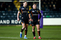 Duncan Weir and Perry Humphreys of Worcester Warriors - Mandatory by-line: Robbie Stephenson/JMP - 17/01/2020 - RUGBY - Sixways Stadium - Worcester, England - Worcester Warriors v Castres Olympique - European Rugby Challenge Cup