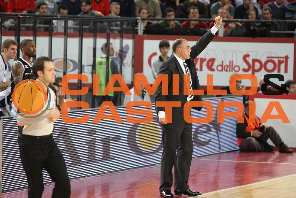 DESCRIZIONE : Roma Lega A1 2008-09 Lottomatica Virtus Roma La Fortezza Virtus Bologna<br /> GIOCATORE : Matteo Boniciolli<br /> SQUADRA : La Fortezza Virtus Bologna<br /> EVENTO : Campionato Lega A1 2008-2009<br /> GARA : Lottomatica Virtus Roma La Fortezza Virtus Bologna<br /> DATA : 30/11/2008<br /> CATEGORIA : Ritratto<br /> SPORT : Pallacanestro<br /> AUTORE : Agenzia Ciamillo-Castoria/G.Ciamillo