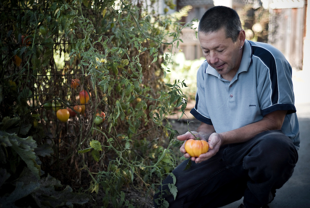 Keith Bontrager, bike designer, chef and MTB legend with harvest, Santa Cruz, California.