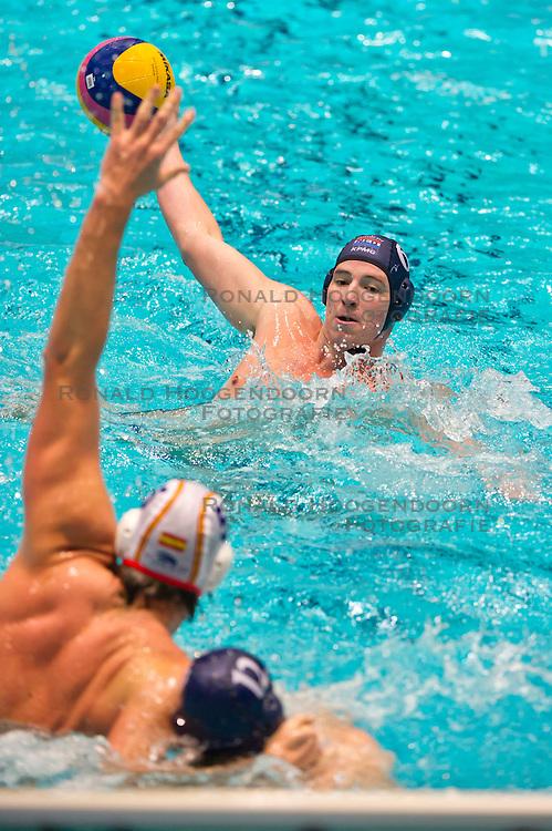 27-01-2012 WATERPOLO: EC NETHERLANDS - SPAIN: EINDHOVEN<br /> European Championships Netherlands - Spain / Robin Lindhout<br /> (c)2012-FotoHoogendoorn.nl / Peter Schalk