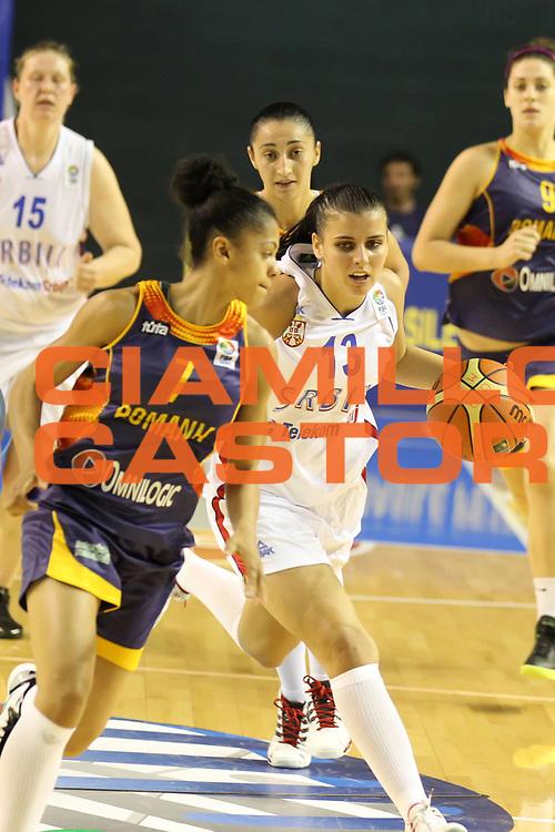 DESCRIZIONE : Taranto Torneo di qualificazione Campionati Europei donne Polonia 2011 Serbia Romania<br /> GIOCATORE : Ana Dabovic<br /> SQUADRA : Serbia<br /> EVENTO : Torneo di qualificazione Campionato Europeo Donne Polonia 2011 Eurobasket Women Additional Qualifying Tournament<br /> GARA : Serbia Romania<br /> DATA : 03/06/2011<br /> CATEGORIA : palleggio<br /> SPORT : Pallacanestro<br /> AUTORE : Agenzia Ciamillo-Castoria/ElioCastoria<br /> Galleria : FIP Nazionali 2011<br /> Fotonotizia :  Taranto Torneo di qualificazione Campionati Europei donne Polonia 2011 Serbia Romania<br /> Predefinita :