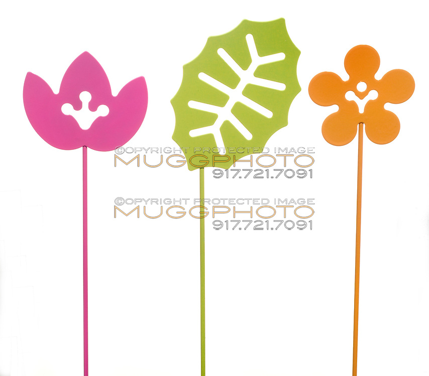 flower and leaf colored garden stake
