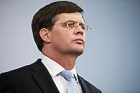 Nederland. Den Haag, 20 februari 2010.<br /> Premier Balkenende gaat het ontslag van zijn vierde kabinet indienen bij koningin Beatrix. Na een keiharde confrontatie in de ministerraad over de militaire missie in Uruzgan bleek rond vier uur 's nachts nog maar één conclusie mogelijk: aftreden. persverklaring Balkenende.<br /> Foto Martijn Beekman