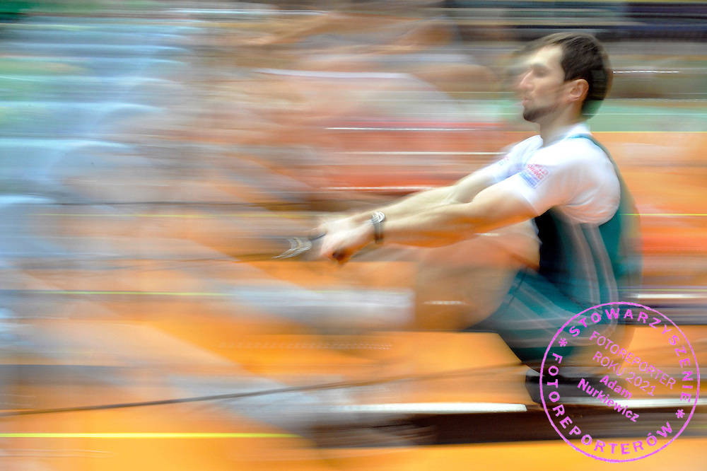 MARIUSZ STANCZUK COMPETES DURING 20TH POLISH CHAMPIONSHIPS IN ROWING ERGOMETER AT ORBITA HALL IN WROCLAW, POLAND...WROCLAW , POLAND , JANUARY 29, 2011..( PHOTO BY ADAM NURKIEWICZ / MEDIASPORT )