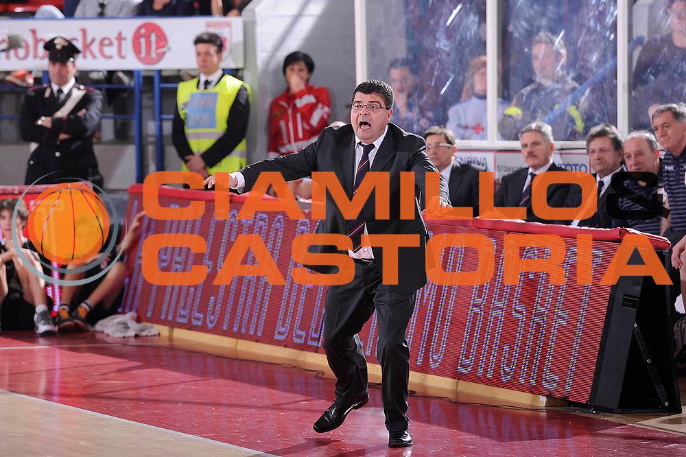DESCRIZIONE : Teramo Lega A 2011-12 Banca Tercas Teramo Umana Venezia<br /> GIOCATORE : Ramagli Alessandro<br /> CATEGORIA : coach<br /> SQUADRA : Banca Tercas Teramo<br /> EVENTO : Campionato Lega A 2011-2012<br /> GARA : Banca Tercas Teramo Umana Venezia<br /> DATA : 03/03/2012<br /> SPORT : Pallacanestro<br /> AUTORE : Agenzia Ciamillo-Castoria/C.De Massis<br /> Galleria : Lega Basket A 2011-2012<br /> Fotonotizia : Teramo Lega A 2011-12 Banca Tercas Teramo Umana Venezia<br /> Predefinita :