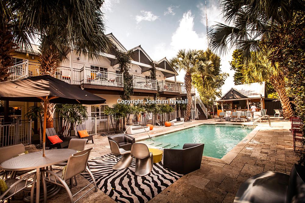 Key West 2015 11 23 Florida<br /> Hotel vid Duval street i Keywest pool sommar semester turister<br /> <br /> FOTO : JOACHIM NYWALL KOD 0708840825_1<br /> COPYRIGHT JOACHIM NYWALL<br /> <br /> ***BETALBILD***<br /> Redovisas till <br /> NYWALL MEDIA AB<br /> Strandgatan 30<br /> 461 31 Trollh&auml;ttan<br /> Prislista enl BLF , om inget annat avtalas.