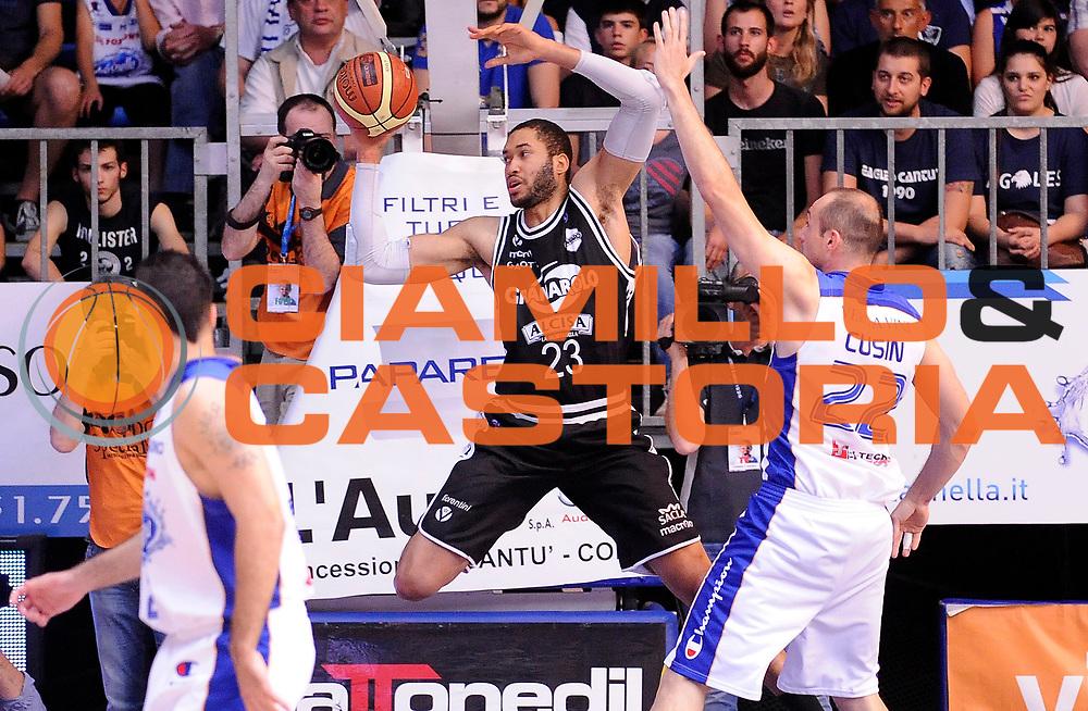DESCRIZIONE : Cantu' Campionato Lega A 2013-14 Acqua Vitasnella Cantu' Granarolo Bologna<br /> GIOCATORE : Jerome Jordan<br /> SQUADRA : Granarolo Bologna<br /> EVENTO : Campionato Lega A 2013-14<br /> GARA :  Acqua Vitasnella Cantu' Granarolo Bologna<br /> DATA : 11/05/2014<br /> CATEGORIA : Controcampo Passaggio Tecnica<br /> SPORT : Pallacanestro<br /> AUTORE : Agenzia Ciamillo-Castoria/A.Giberti<br /> Galleria : Campionato Lega Basket A 2013-14<br /> Fotonotizia : Cantu' Campionato Lega A 2013-14 Acqua Vitasnella Cantu' Granarolo Bologna<br /> Predefinita :