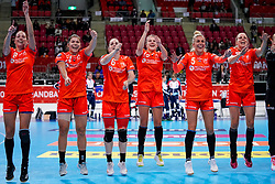 06-12-2019 JAP: Norway - Netherlands, Kumamoto<br /> Last match groep A at 24th IHF Women's Handball World Championship. / The Dutch handball players won in an exciting game of fear gegner Norway and wrote in the last group match at the World Handball  World Championship history (30-28). / Team Netherlands celebrate Lois Abbingh #8 of Netherlands, Martine Smeets #24 of Netherlands, Lois Abbingh #8 of Netherlands, Merel Freriks #19 of Netherlands, Jessy Kramer #5 of Netherlands, Danick Snelder #10 of Netherlands