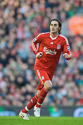 LIVERPOOL, ENGLAND - Saturday, January 30, 2010: Liverpool's Alberto Aquilani in action against Bolton Wanderers during the Premiership match at Anfield. (Photo by: David Rawcliffe/Propaganda)